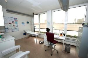 hauasarzt-im-centrum-im-behandlungsraum2